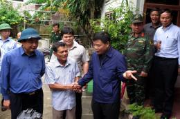 Bộ trưởng Nguyễn Xuân Cường kiểm tra công tác phòng chống bão số 6 tại Quảng Ngãi
