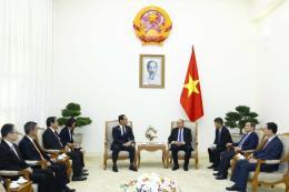 Thủ tướng Nguyễn Xuân Phúc tiếp Thống đốc tỉnh Saitama (Nhật Bản)