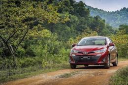 Doanh số bán xe của Toyota Việt Nam trong tháng 10 giảm 14%