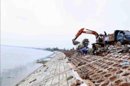 Hỗ trợ tu sửa, xử lý khẩn cấp đê, kè, cống không quá 3 tỷ đồng mỗi công trình