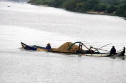Cát tặc lộng hành trên sông Trà Khúc, Quảng Ngãi