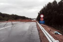 Khó quản lý xe chạy trên đường cao tốc chưa hoàn thiện La Sơn - Túy Loan