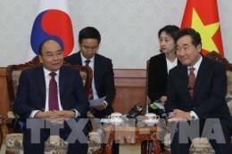 Thứ trưởng Nguyễn Quốc Dũng trả lời phỏng vấn về chuyến thăm của Thủ tướng tại Hàn Quốc