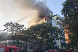 Cháy lớn tại quán karaoke trên phố Thi Sách, Hà Nội