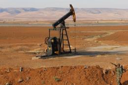 Giá dầu thế giới vọt lên mức cao nhất trong gần ba tháng