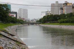 """Hà Nội thông tin về việc """"xử lý ô nhiễm sông Tô Lịch"""""""