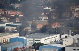 Cháy nhà máy tái chế chất thải công nghiệp tại Đông Bắc Tây Ban Nha