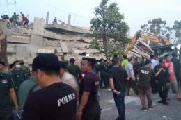 Campuchia: Sập nhà 7 tầng đang thi công, hàng chục người bị vùi lấp