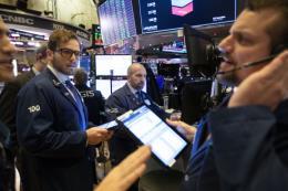 Chỉ số Dow Jones mất hơn 230 điểm do tình hình Trung Đông căng thẳng