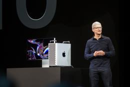 Lương của CEO Tim Cook giảm theo hiệu suất kinh doanh của Apple
