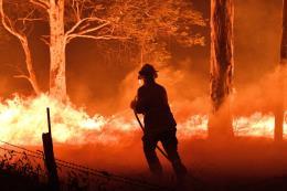 Cháy rừng ở Australia: Nỗ lực sơ tán hàng nghìn người bị mắc kẹt