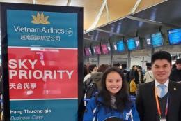 Tiếp viên Vietnam Airlines trả lại nhiều trang sức giá trị lớn cho khách người nước ngoài