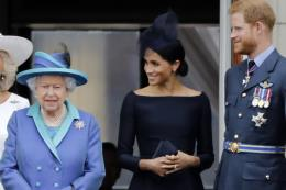 Nữ hoàng Anh ủng hộ vợ chồng Hoàng tử Harry có