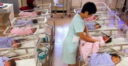 Trung Quốc: Tỉ lệ sinh năm 2019 thấp nhất trong 70 năm