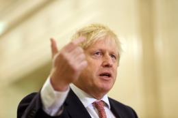 Thủ tướng Anh vấp phải 3 thất bại liên tiếp tại Thượng viện