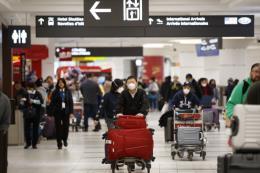 Hàng loạt doanh nghiệp và hãng hàng không hủy chuyến đến Trung Quốc vì virus corona