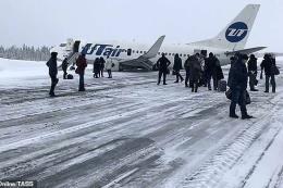 Máy bay Nga gặp sự cố, tiếp đất bằng bụng khi hạ cánh