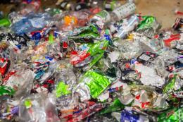 WWF công bố báo cáo về nạn xả rác thải nhựa ra biển tại châu Á