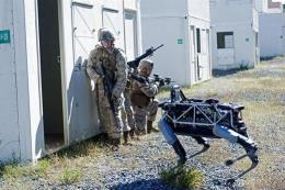 Australia phát triển công nghệ robot hỗ trợ huấn luyện quân sự