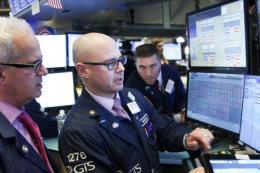 Phố Wall tiếp tục mất điểm khi nhà đầu tư Mỹ lo ngại về kinh tế toàn cầu