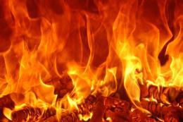 Giải cứu người mắc kẹt trong đám cháy tại TP. HCM